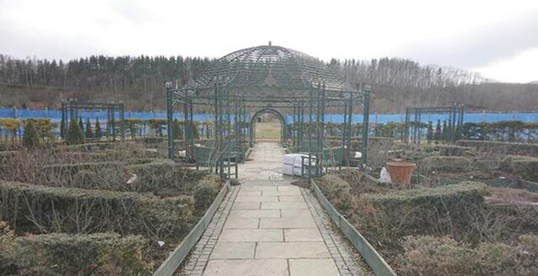 銀河庭園もただいま臨時休園中 吉谷桂子のガーデンダイアリー ~花と緑と豊かに暮らすガーデニング手帖~