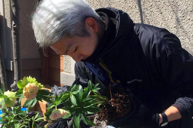 【学びながらガーデニングしましょう!】2021年4月9日本家さんのクリスマスローズ教室 4月23日寺田さんの寄せ植え教室 ROSA & BERRY Tawada ローザンベリー多和田